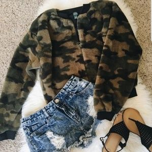 CUTE & Fuzzy Camo Cropped Bomber Jacket